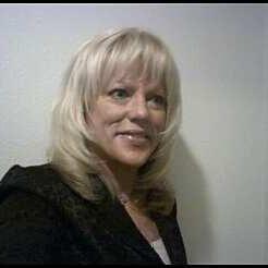 46-jarige blondine wil opnieuw beginnen na de scheiding.