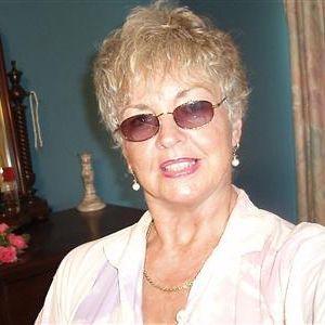 Gepensioneerde dame zoekt dating met een man tussen de 64 en 72 jaar.