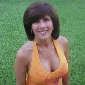 Getinte vrouw wil een liefdevolle en romantische partner te vinden.