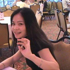 Knappe Aziatische vrouw op zoek naar een serieuze man.