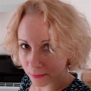 53 jarige blondine op zoek naar een partner.