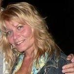 Slanke vrouw van 49 zoekt een betrouwbare man.